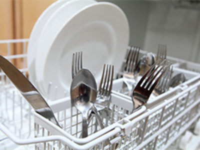Dirty-dishes-in-a-dishwasher
