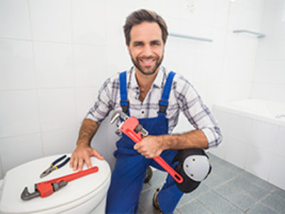 toilet-being-handled-by-plumber